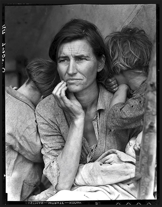 'Migrant Mother' by Dorothea Lange